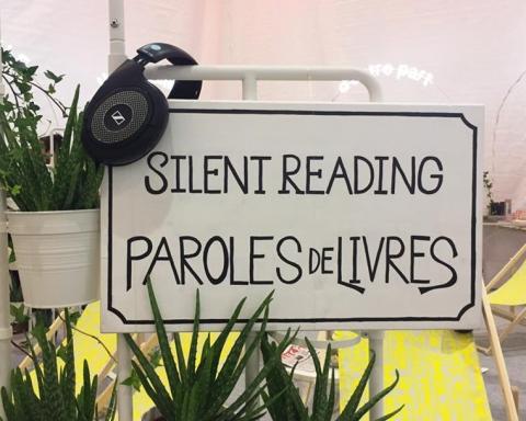 Panneaux Silent Reading au Salon du livre